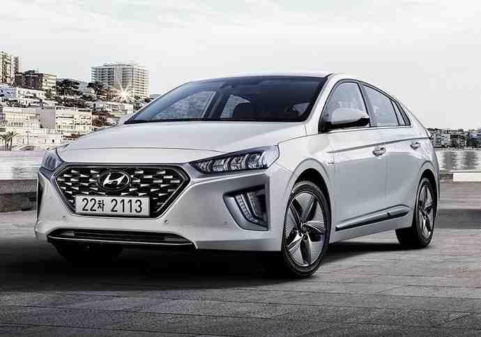 Quelle voiture hybride d'occasion devrais-je choisir?