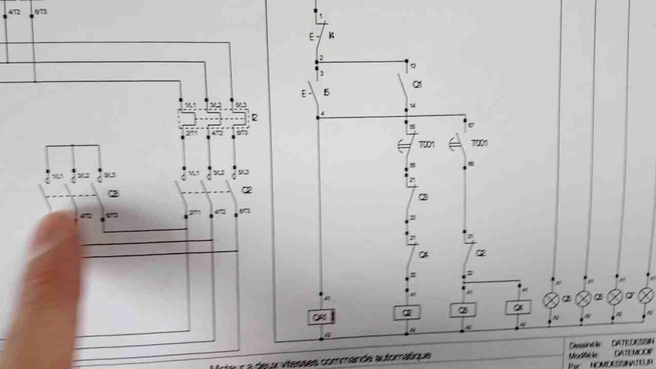 Comment savoir si mon moteur est triphasé?